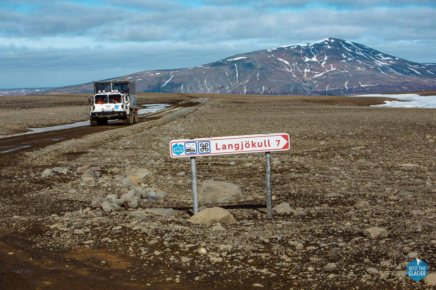 Road sign to Langjokull
